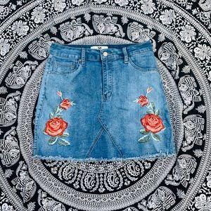 """""""Hammer Jeans"""" Skirt  w/ Roses 🌹"""